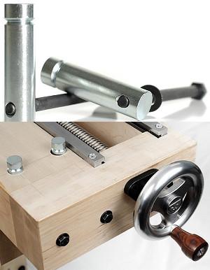 Il pacco di ferramenta per costruzione del banco costituito da 4 dadi a barile e 2 dadi terminali a barile