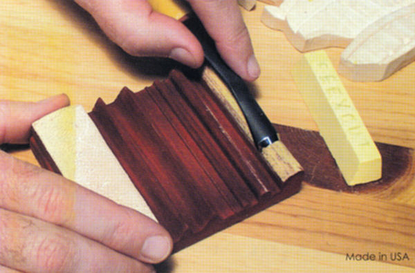 Flexcut Slipstrop for Polishing and Deburring V-Tools and Gouges Flexcut Gold