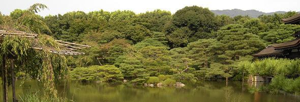 Landschaftsgarten des Heian Schrein in Kyoto