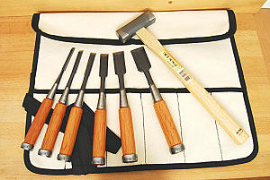 Set of 6 HIKOZA Chisels and 1 hammer in canvas tool roll
