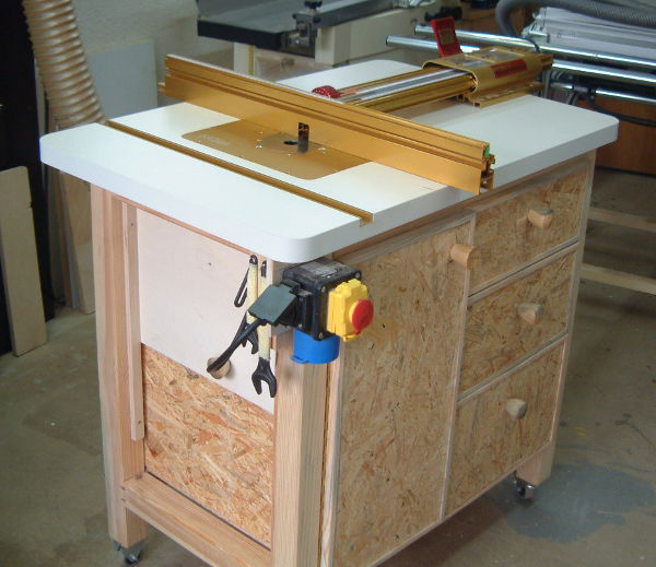 Here is another photo of the router table