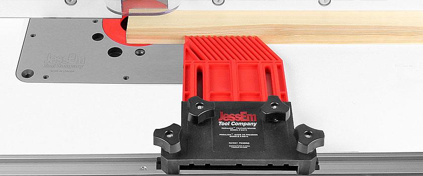 JessEm Paralign Feather Board Single Pack: in dieser Konfiguration kann der Abstand zwischen der Kante der 19 mm Nut und dem Werkstück bis zu 210 mm betragen.