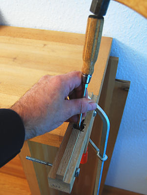 Loosening and removing the two nicker blades