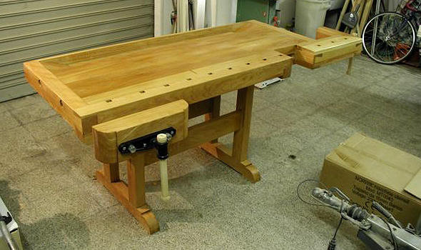 Workbench built by Luigi L.