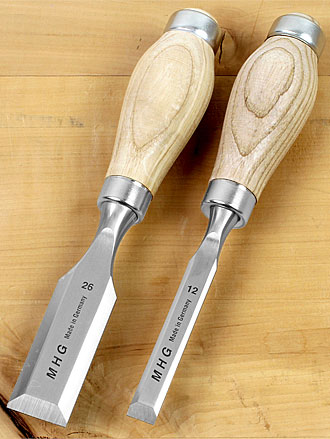 Scalpelli relativamente corti con manico in frassino finito ad olio