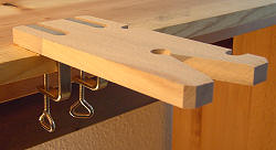 Fret saw table with 2 clamps