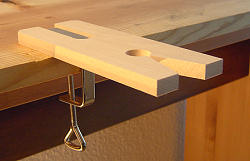 Fret saw table with 1 clamp