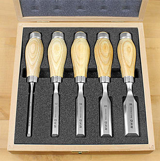 5 Short MHG Chisels in Wooden Box