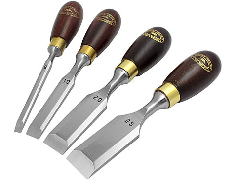 Set di 4 scalpelli corti CROWN
