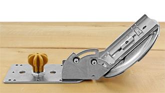 Regolazione a 45° per un taglio inclinato sul lato destro.